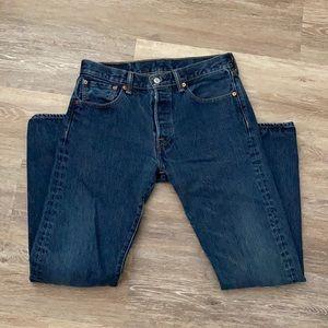 Levi's men's jeans 501 30 x 32 button fly